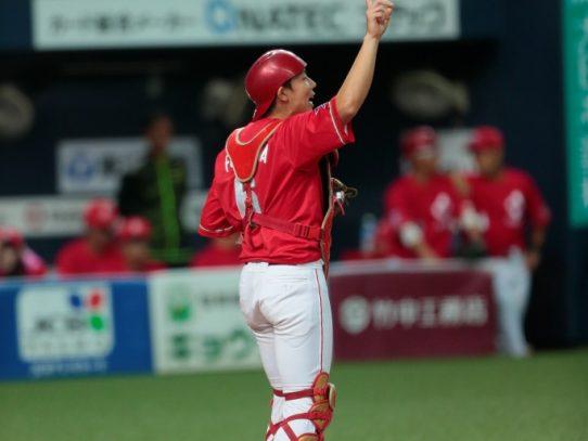 第45回社会人野球日本選手権大会に卒業生の日本生命本田選手・古川選手が出場し見事準優勝に輝く