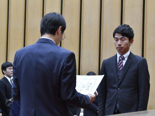 陸上競技部の石田駆さんが岐阜県スポーツ賞・各務原市民栄誉賞を受賞しました!